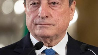 صورة رئيس الوزراء الإيطالي يهنئ نظيره الجزائري بمناسبة تعيينه وزيرا أولا