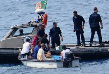 صورة وزارة الدفاع: إنقاذ 13 مهاجرا غير شرعيا وانتشال 4 آخرين