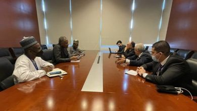 صورة محادثات بين لعمامرة ونظيره النيجيري على هامش أشغال المجلس التنفيذي للاتحاد الافريقي