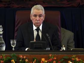 Photo de Bensalah président par intérim pour gérer la transition