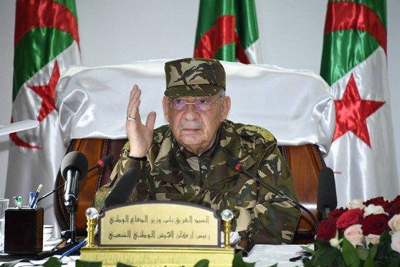 Photo de Le peuple doit faire preuve de «sagesse» pour déjouer «les conspirations» contre l'Algérie (Gaïd Salah)