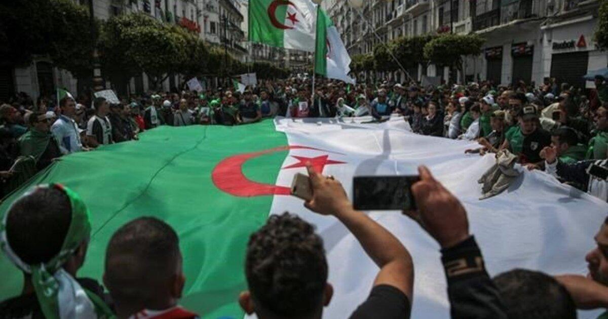 Photo de Crise politique: le Hirak doit aboutir à une solution politique pour sortir le pays de la crise