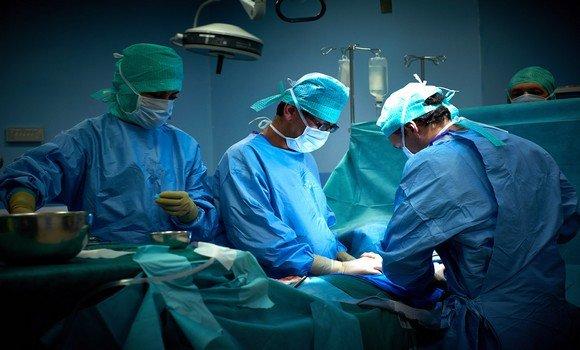 Photo de Une équipe médicale algérienne effectue 65 interventions chirurgicales en Mauritanie