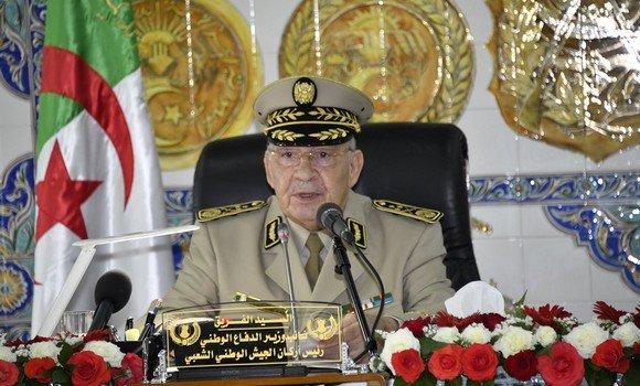 Photo de Gaïd Salah souhaite la tenue d'un dialogue national «loin des préalables allant jusqu'aux diktat