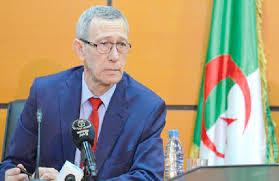 Photo de Le ministre de la Communication salue les efforts des travailleurs du secteur